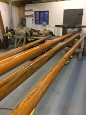 I rented a workshop to varnish the spars